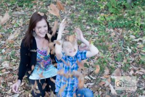 knoxville-event-photographer-mother-and-son-park-fall-leaves-knoxville-family-photography-9
